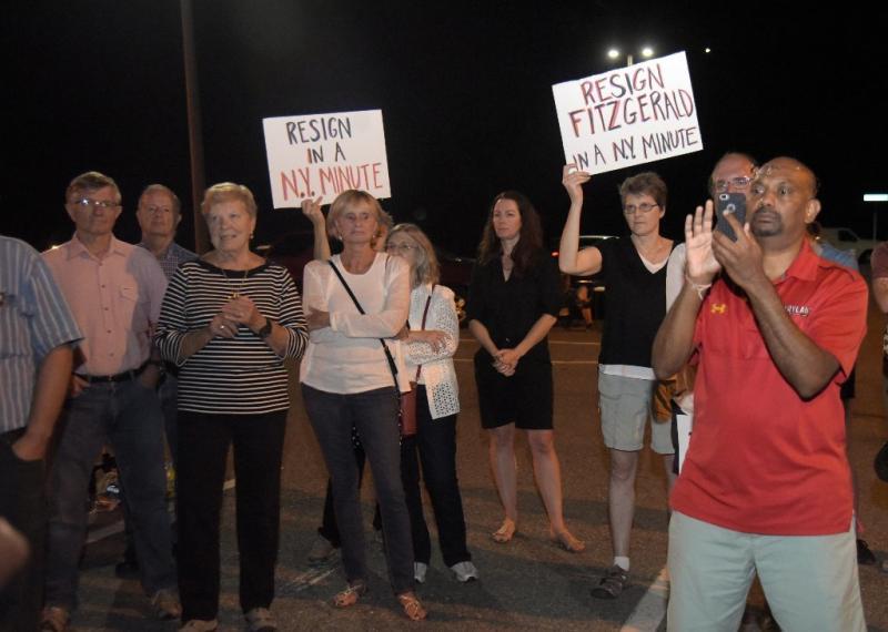 Ph-ho-cf-sheriff-rally-resignation-0929-20160923
